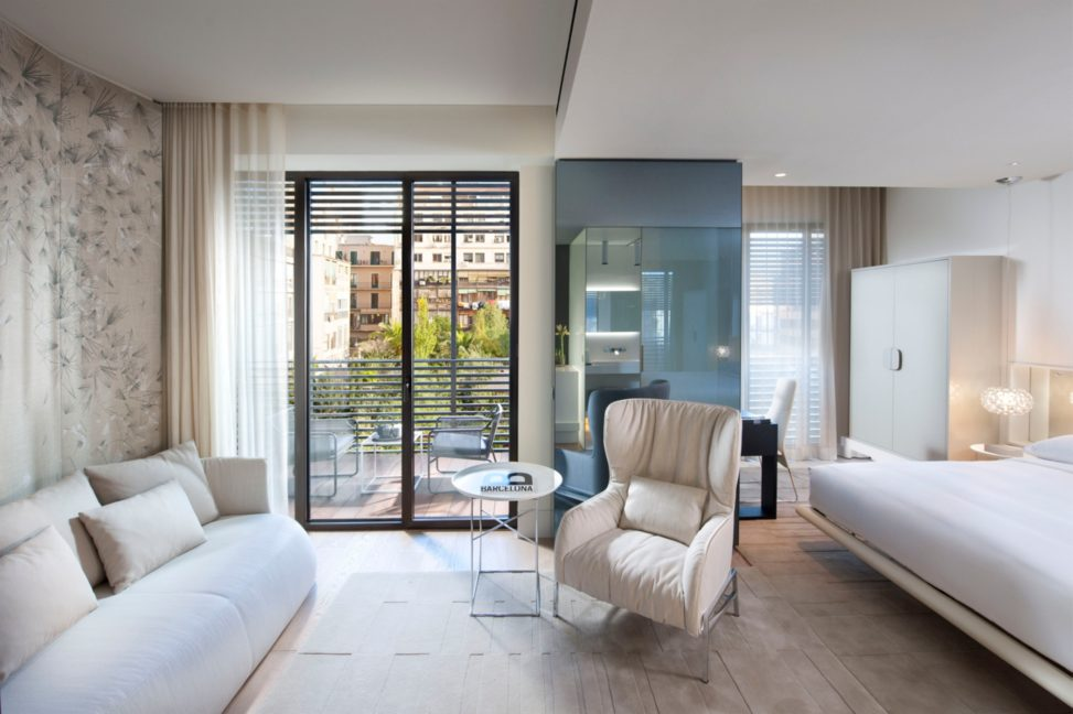 barcelona-room-mandarin-terrace-room-2