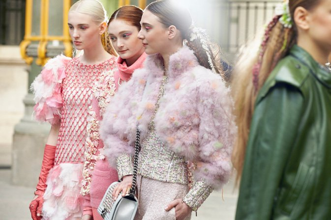 chanel-fall-winter-2014-15-ready-to-wear-backstage-12
