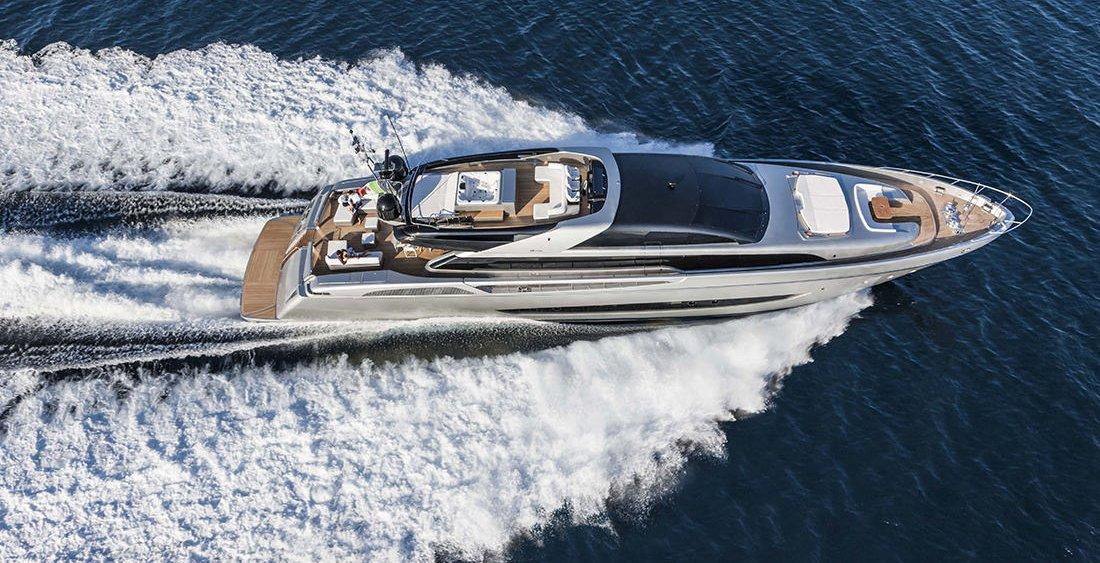 Mythos 122 de Riva, nuevo buque insignia de 37 metros