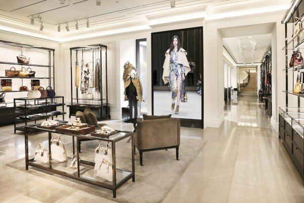 Burberry-flagship-store-Milan-600x400