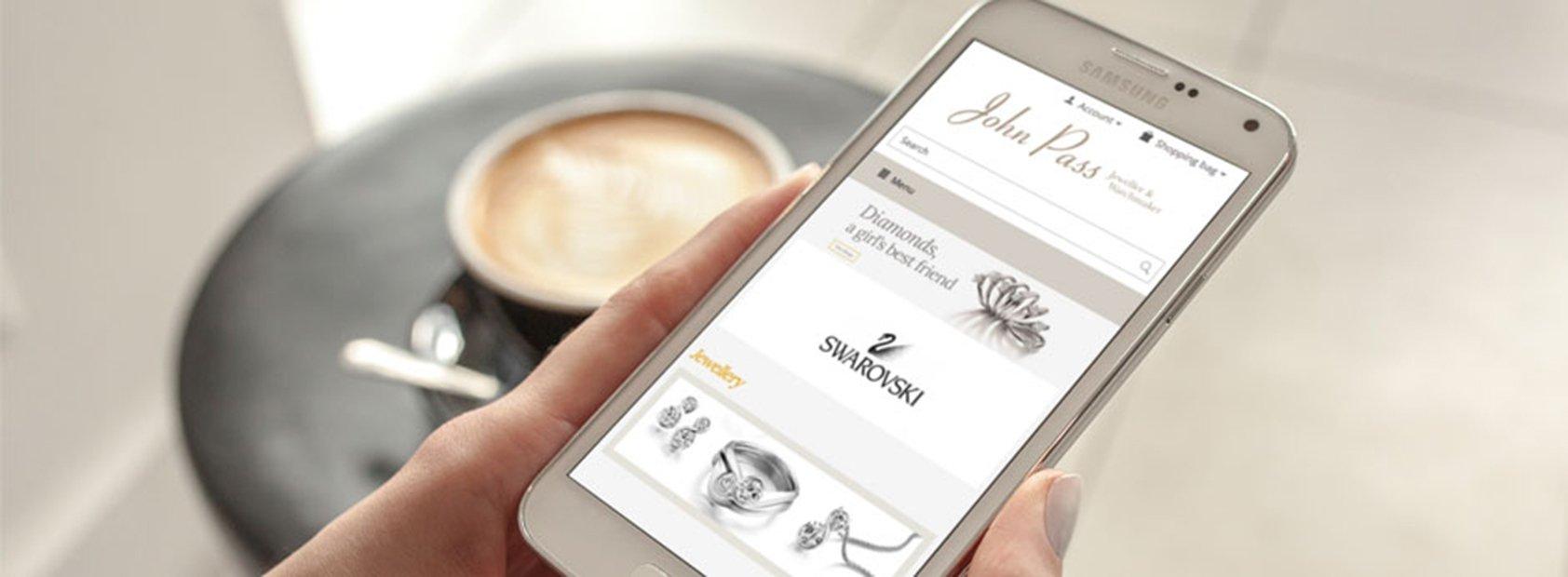 Las marcas de lujo y el móvil, la combinación perfecta