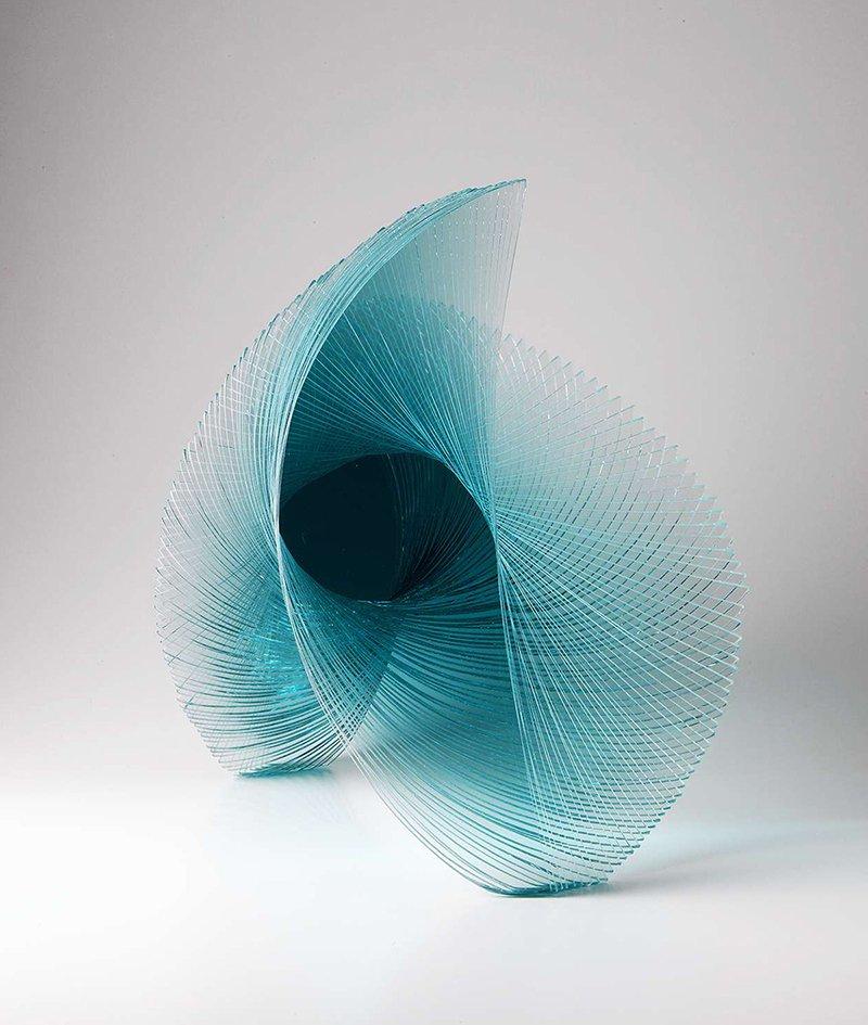 Niyoko Ikuta, vidrio laminado que cobra vida