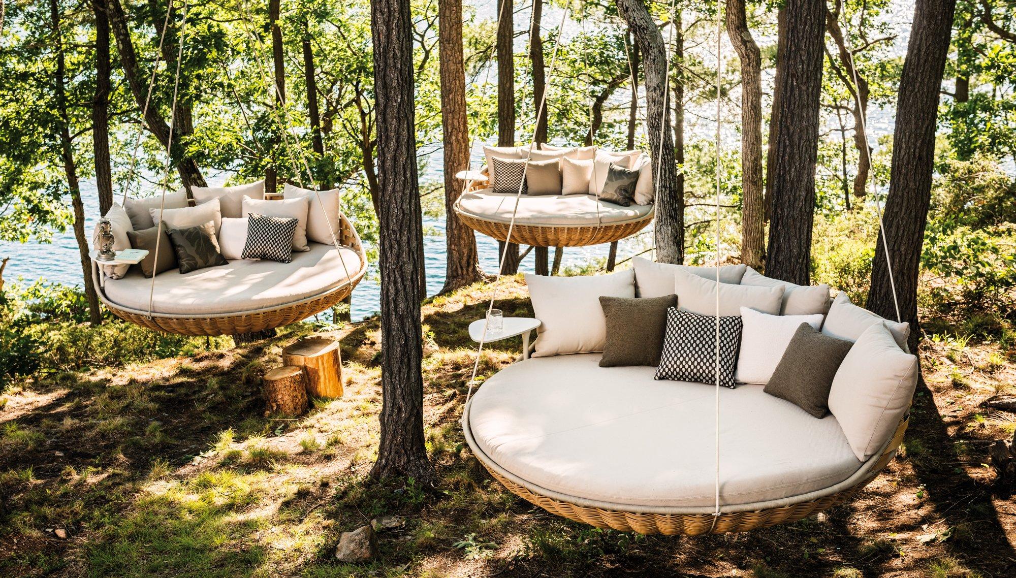 Relax suspendido en el aire con el sofá colgante de Dedon