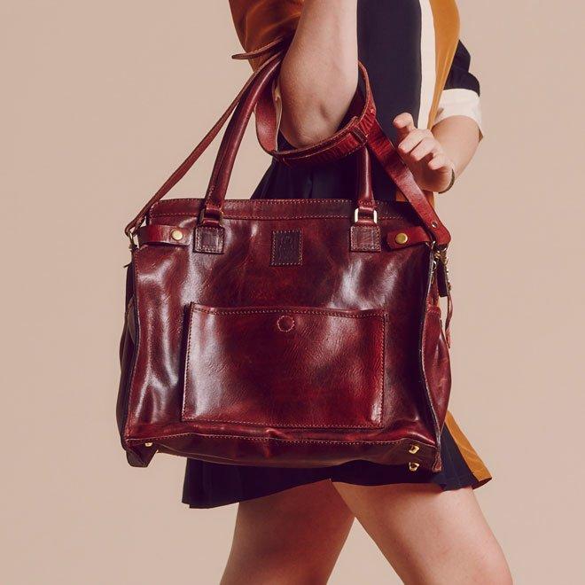 Un bolso de lujo para llevar pañales diseñado por Blake Lively