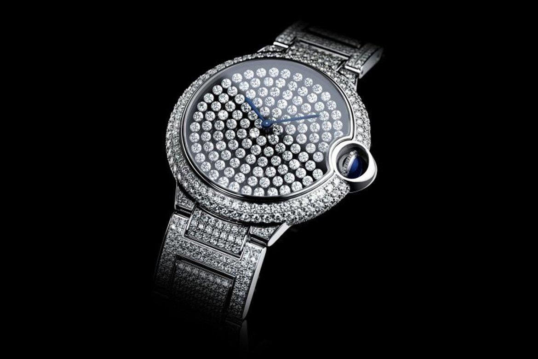El nuevo Ballon Bleu de Cartier deslumbra con sus brillantes palpitantes