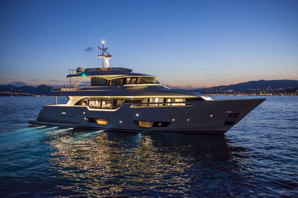 Navetta 28 The Luxury Trends