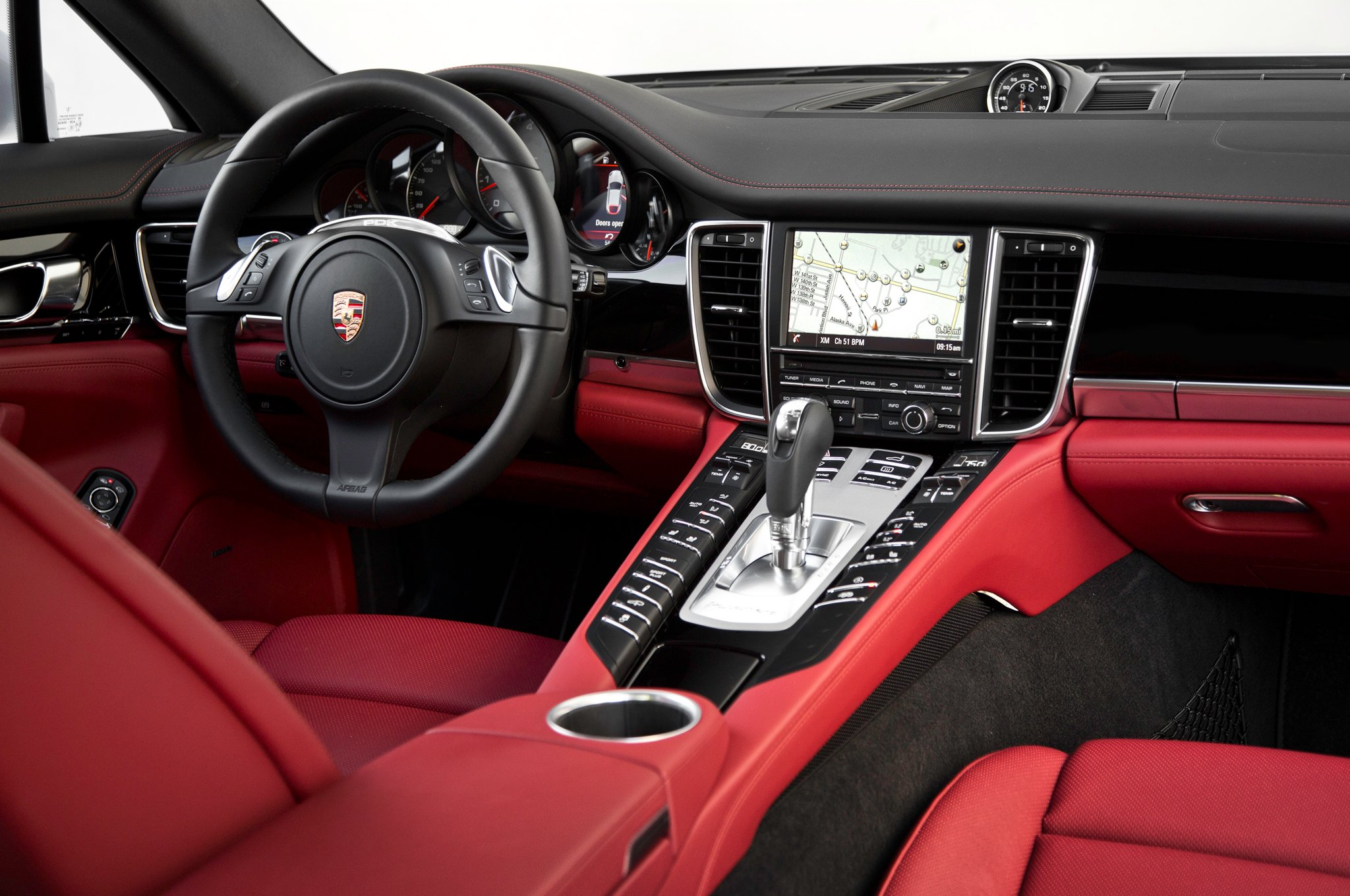 El nuevo Porsche Panamera, una berlina más deportiva que ...