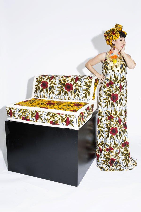 La moda española viste al mítico sofá Mah Jong de Roche Bobois
