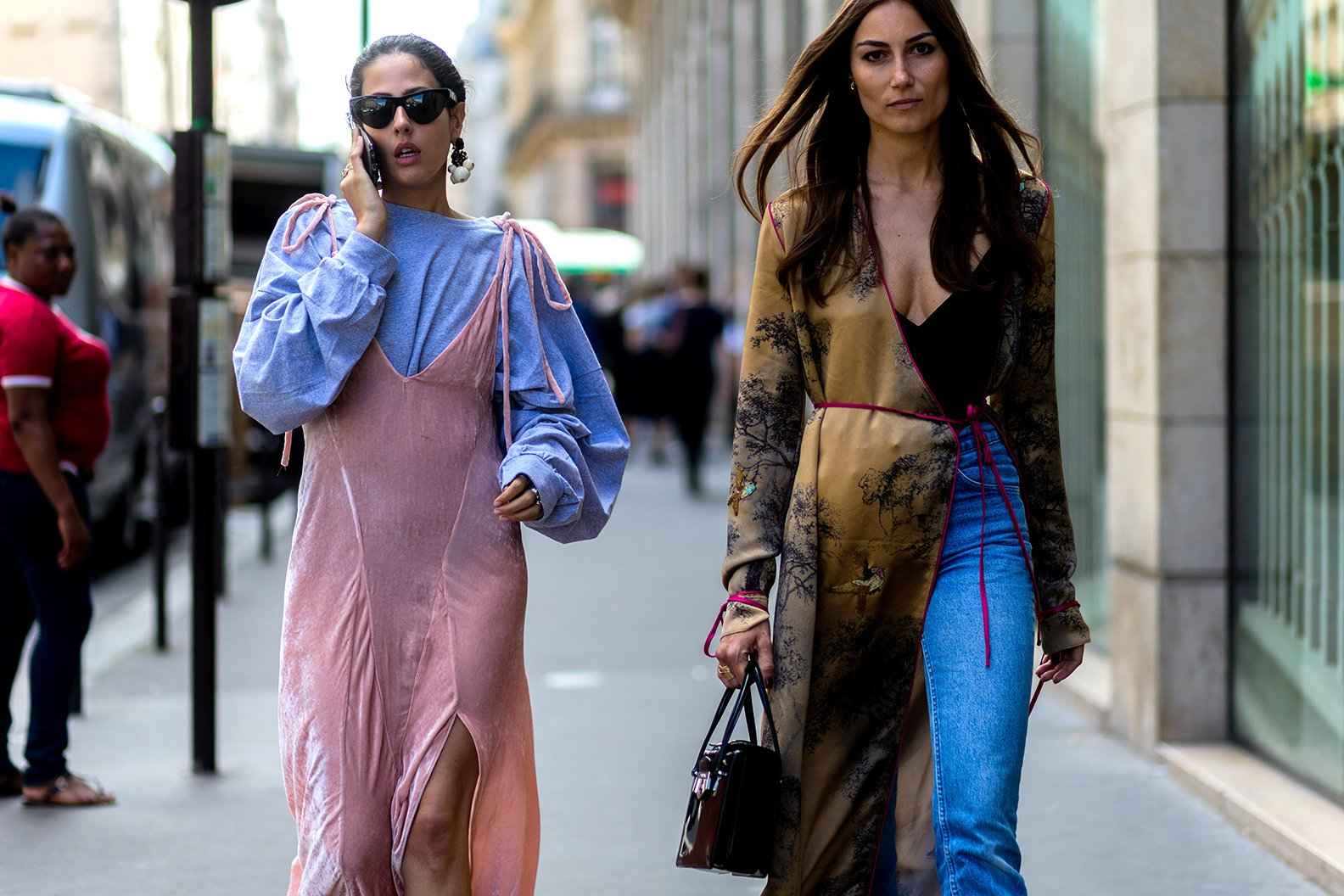 Street Style - Paris Fashion Week : Day Two - Haute Couture F/W 2016/2017