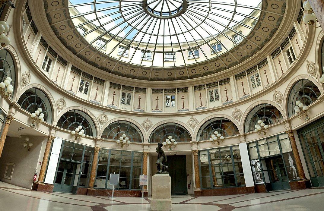 Un paseo de lujo por las antiguas galerías comerciales de Europa