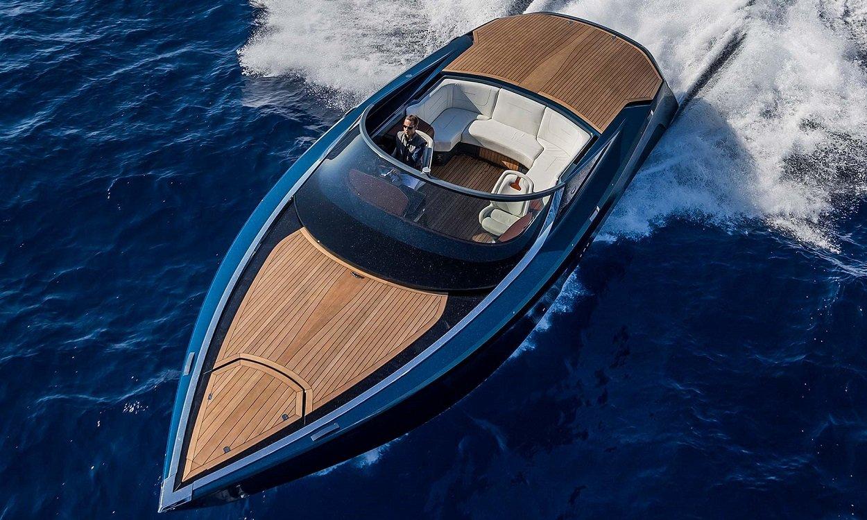 Aston Martin invade de lujo y deportividad el mar