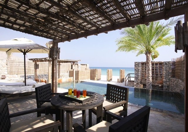 Theluxurytrends_beach_front_pool_villa