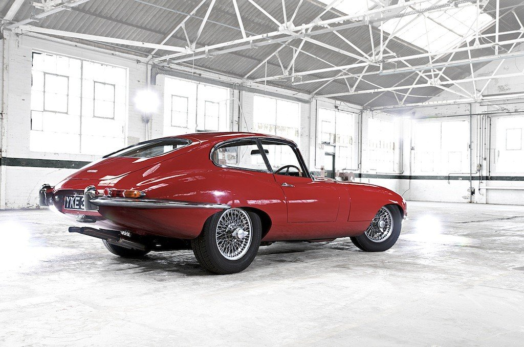 Jaguar_e_type_coupe_heritage_Theluxurytrends