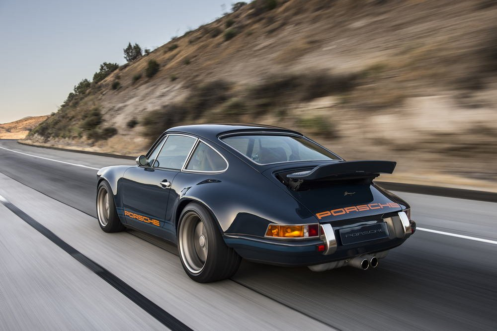 The-Luxury-Trends_magazine_Singer-911-Back