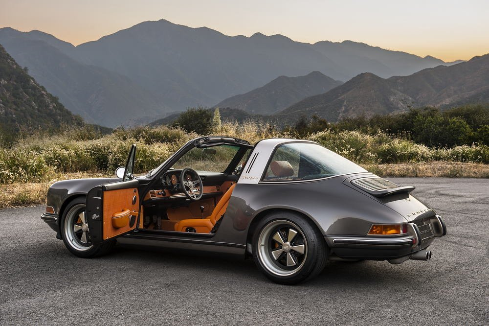The-Luxury-Trends-Magazine-Singer-911-Targa