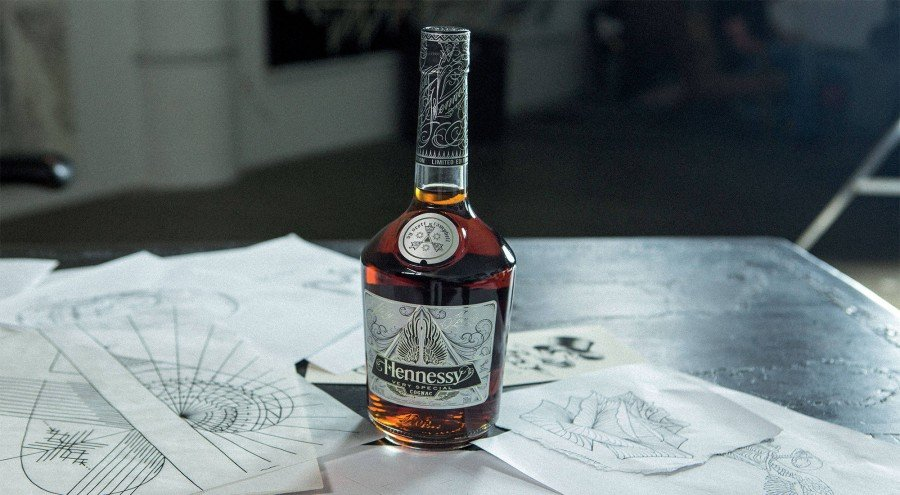 hennessy_vs_limited_edition_scott_campbell_The_Luxury_Trends