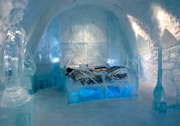 Icehotel_Suecia_cama_hielo_TheLuxuryTrends