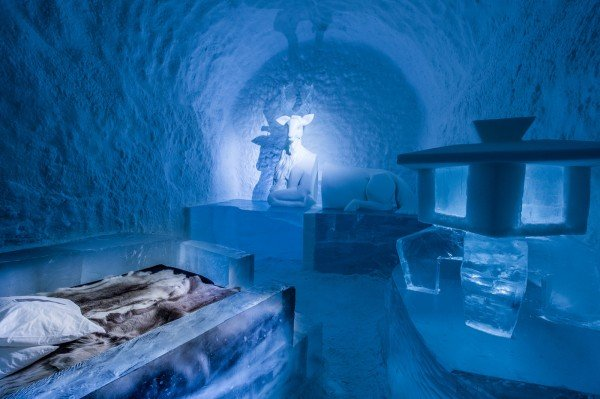Icehotel_Suecia_ice_and_snow_room_TheLuxuryTrends