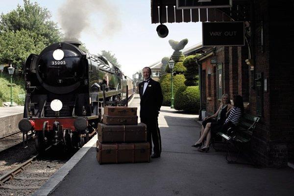 TheLuxuryTrends_Belmond_British_Pulman_locomotora