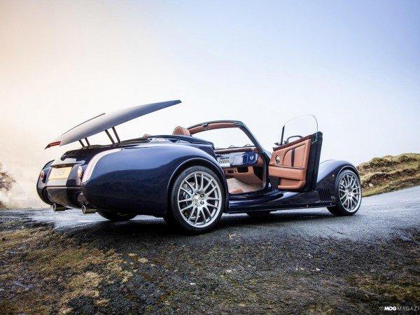 The-Luxury-Trends-magazine-Morgan-Aero8-Rodster
