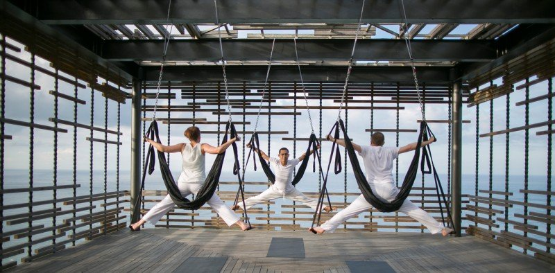 Alila-Villas-Ulluwatu-Aerial-Yoga-TheLuxuryTrends