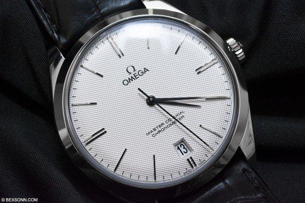 Omega_de_Ville_Tresor_watch_TheLuxuryTrends