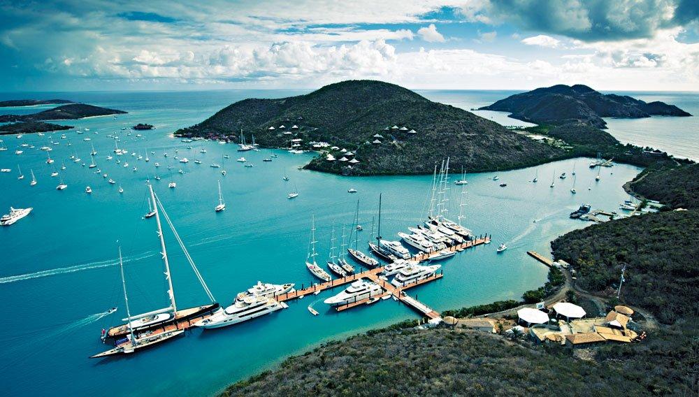 The-Luxury_Trends-YCCS-Loro-Pina-Caribbena-Superyachts-Regatta