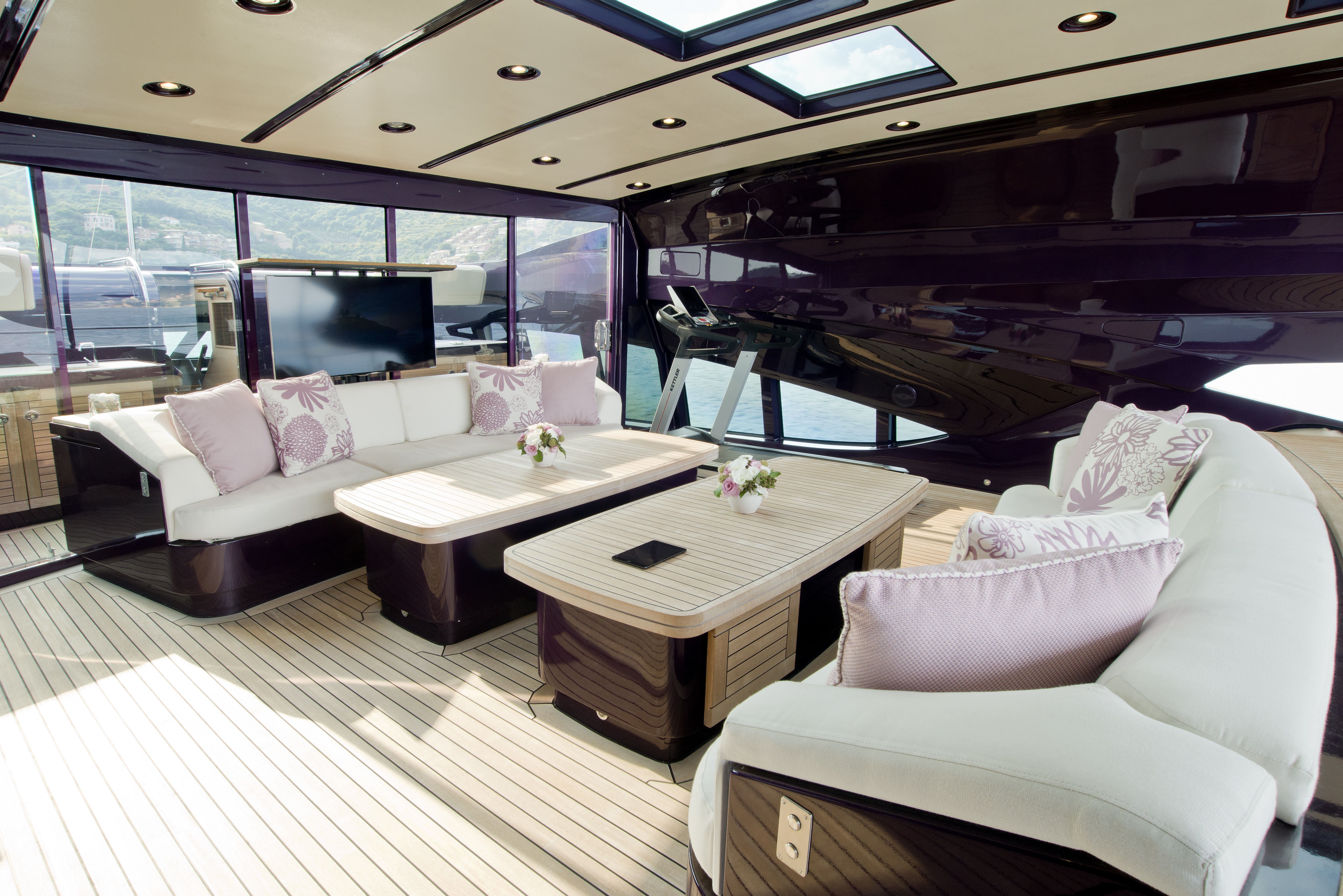 upperaft-sofas