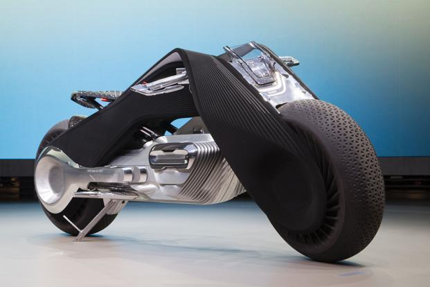 BMW-Motorrad-Vision-Next-100-frontal-TheLuxuryTrends