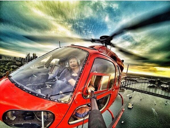 TheLuxuryTrends-Airselfie-selfie-extrema