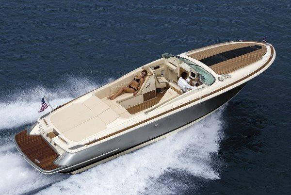 The-Luxury-Trends-Chris-Craft-Corsair-32