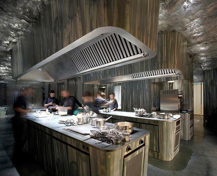 Enigma-restaurante-cocina-TheLuxuryTrends
