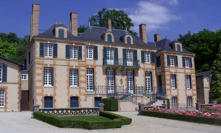 The-Luxury-Trends-Taitinger-Castillo-La-Marquetterie