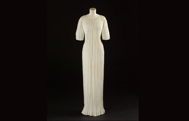Mariano-Fortuny-robe-Delphos-TheLuxuryTrends