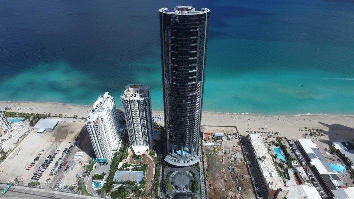 La lujosa y excéntrica Porsche Design Tower en Miami