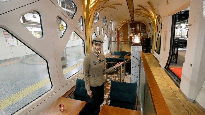 Shiki-Shima-tren-Japón-TheLuxuryTrends