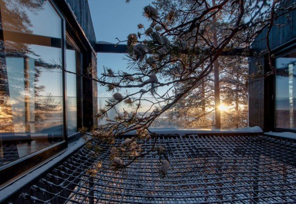 Treehotel-7room-patio-TheLuxuryTrends