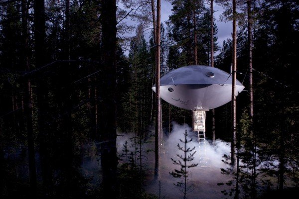 Treehotel-Suecia-The-UFO-TheLuxuryTrends
