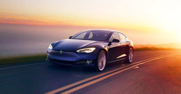 Tesla aterriza en España con tres puntos de venta permanentes