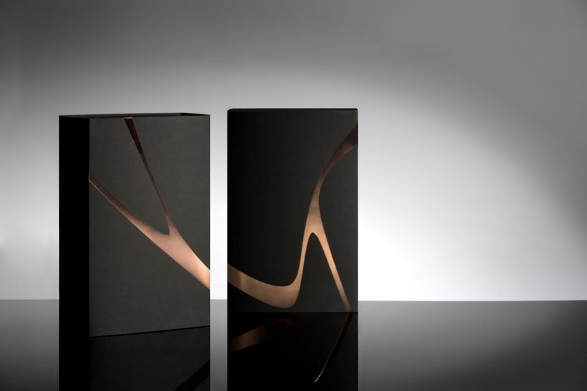 charlotte-olympia-x-zaha-hadid-packaging-TheLuxuryTrends