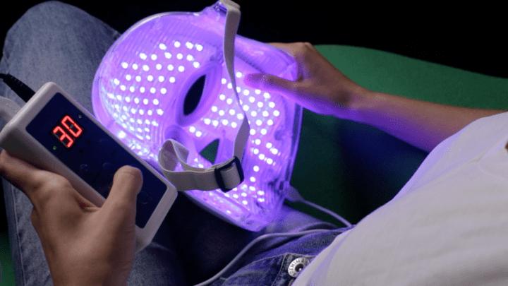 Unicled-led-mask-TheLuxuryTrends