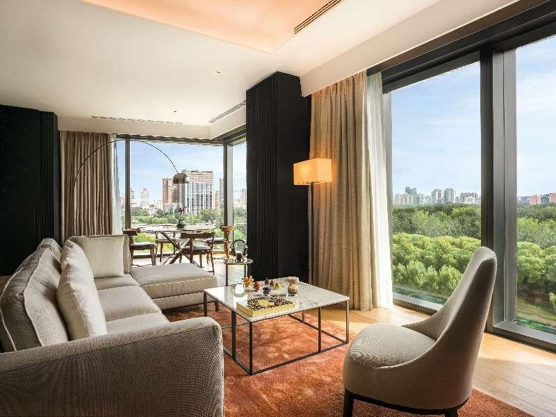 Bvlgari-Hotel-Beijing-suite-TheLuxuryTrends