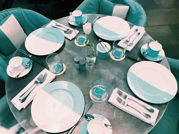 The-BlueBox-Cafe-Tiffany-mesa-TheLuxuryTrends
