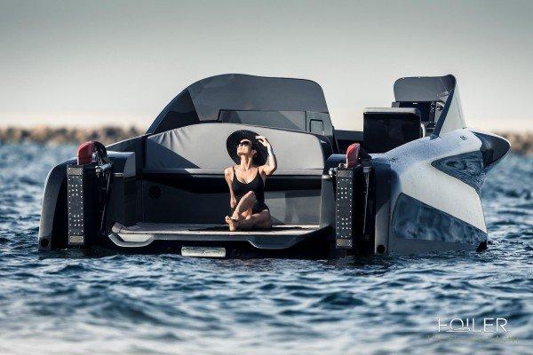 The-Luxury-Trends-Foiler-float