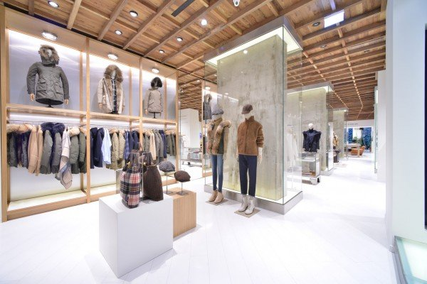 Woolrich-flagship-Milan-TheLuxuryTrends