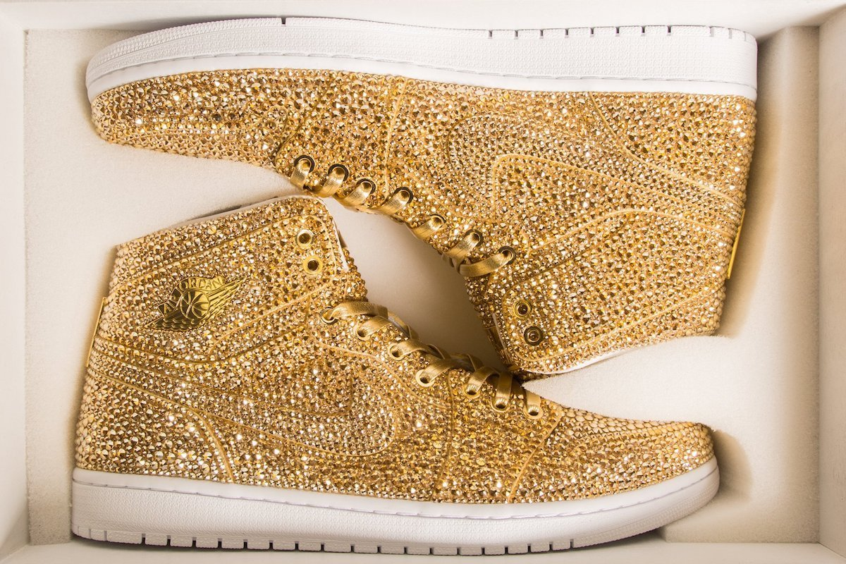 Air-Jordan-swarovski-Golds-TheLuxuryTrends