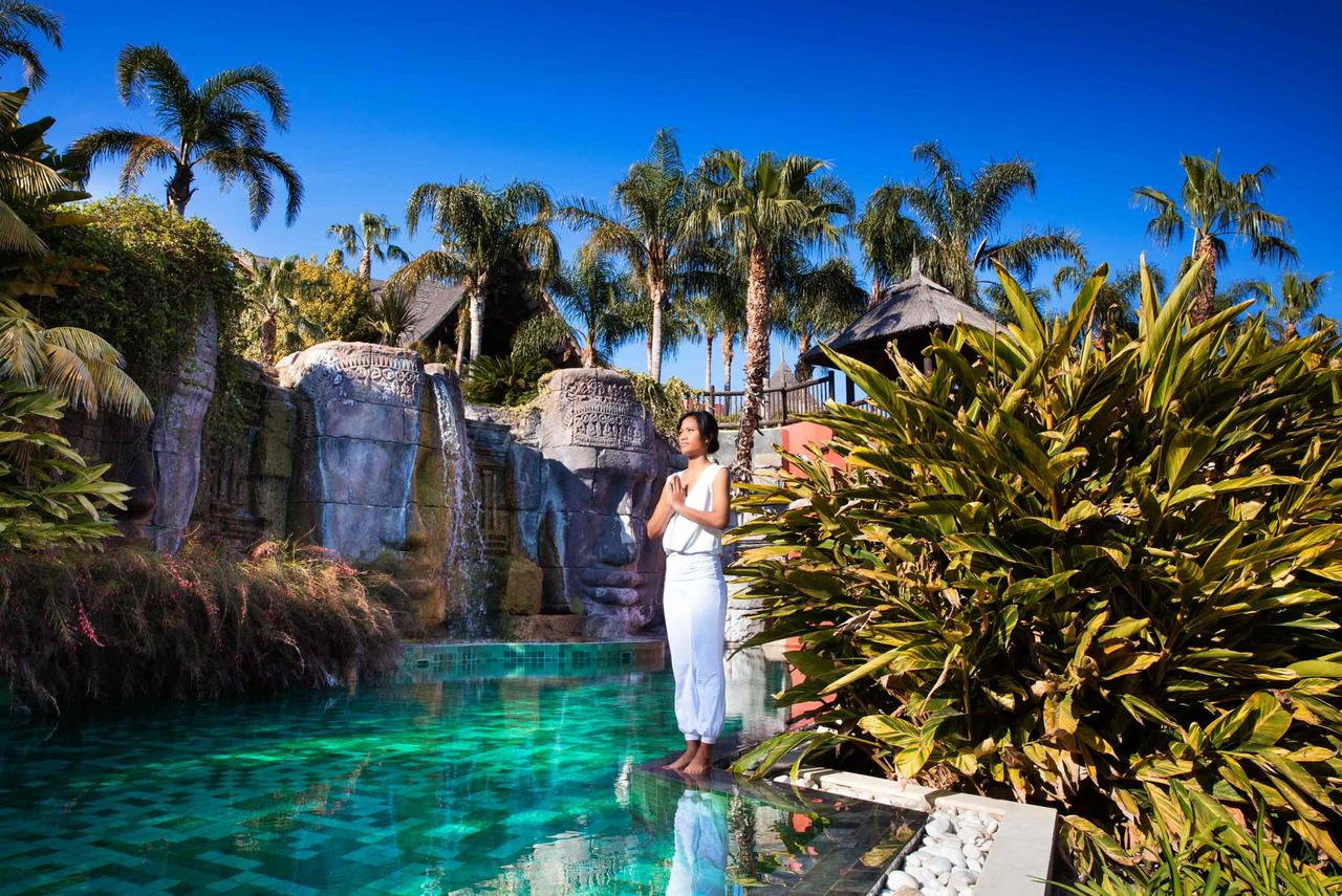 Asia-Gardens-Hotel-and-Thai-Spa-TheLuxuryTrends