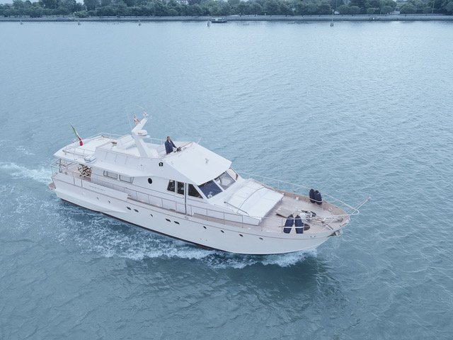 Blitz-Baglietto-yacht-TheLuxuryTrends