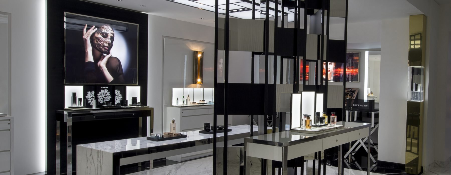 Spa-Metropole-Givenchy-tienda-TheLuxuryTrends