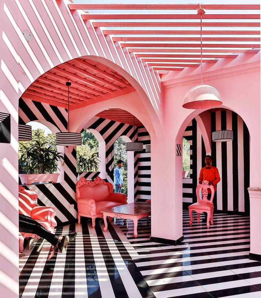The-Pink-Zebra-inspirado-en-Wes-Anderson-TheLuxuryTrends